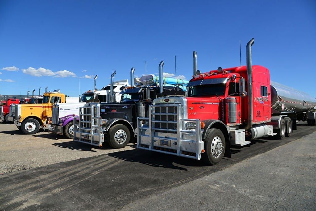 freight factoring enables fleet owners to control costs